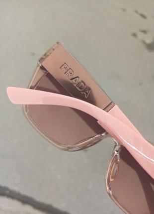 Стильные женские очки в прозрачной оправе с широкой дужкой1 фото