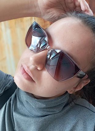 Стильные женские очки в прозрачной оправе с широкой дужкой5 фото