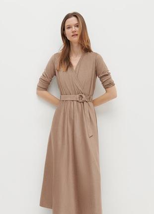 Reserved великолепное платье на запах с поясом
