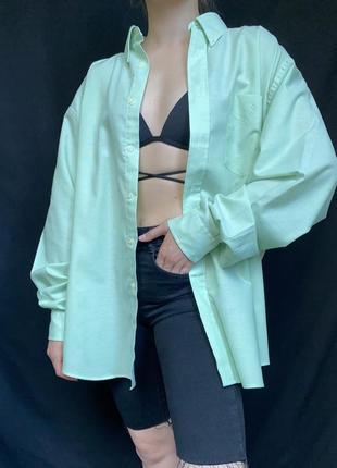 Яркая трендовая рубашка , ярко салатовая, оверсайз, удлинённая прямого кроя