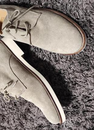Итальянские фирменные замшевые туфли , очень легкие