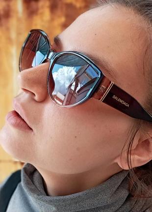 Стильные очки кошки в коричневой оправе италия6 фото