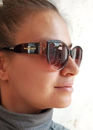 Стильные очки кошки в коричневой оправе италия7 фото
