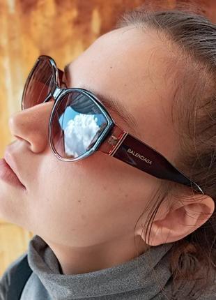Стильные очки кошки в коричневой оправе италия8 фото