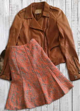 Красивая теплая яркая и теплая юбка