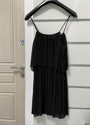 Чёрное платье вечернее