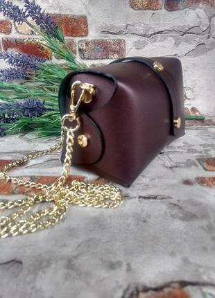 Маленькая кожаная сумочка клатч на цепочке фиолетовая тёмная перламутровая италия5 фото