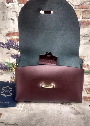 Маленькая кожаная сумочка клатч на цепочке фиолетовая тёмная перламутровая италия7 фото