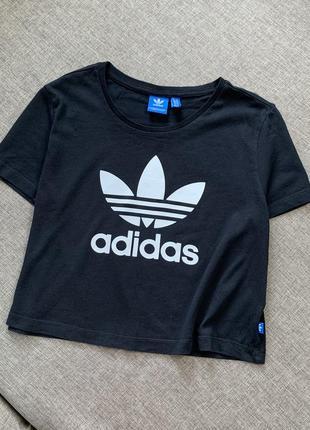 Чёрная футболка adidas оригинал хлопок