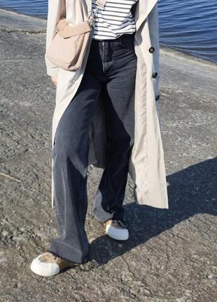 Классные новые джинсы зара в 36 размере. в живую выглядят как на фотографии.