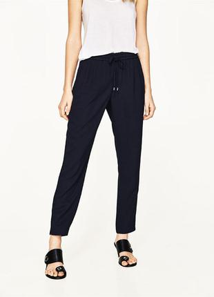 Черные брюки штаны на резинке zara