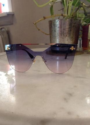 Шикарные,дорогие солнцезащитные очки.торг.
