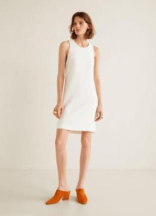Белое платье прямого кроя свободное воздушное