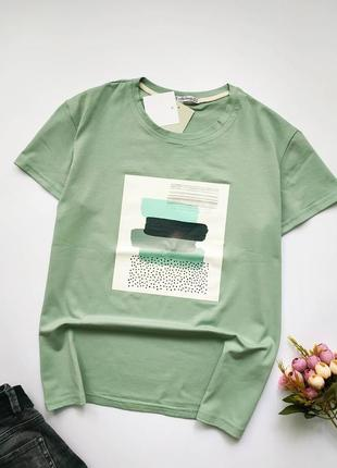 Стильная футболка оливкового цвета; хлопок