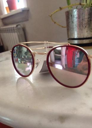 Шикарные очки от ray-ban.