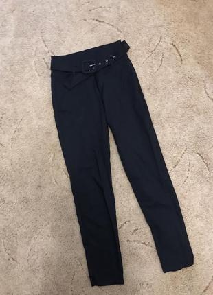 Класичні сині прямі брюки з трендовим поясом классические брюки с поясом
