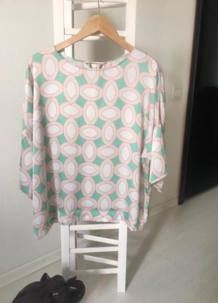 Шелковая блуза со спущенным рукавом