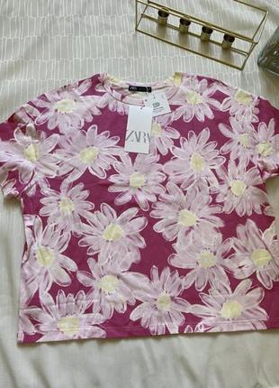 Стильна футболка zara!! трендовий колір і принт!