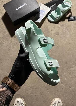 Flip flops mint
