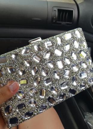 Красивый вечерний клатч сумочка на цепочке камни метал серебро