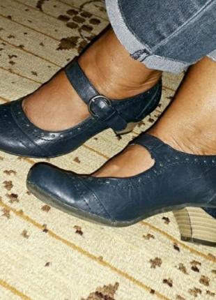 Туфли р.38(24.5) туфлі мешти