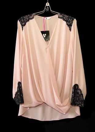 Удлиненная блуза на запах с отделкой контрастным кружевом р.18