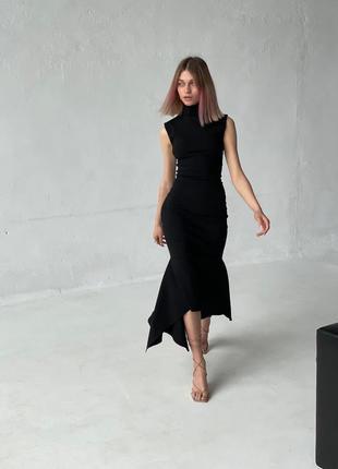 Черное классическое облегающее вечернее платье с горлом