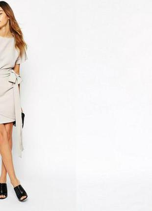 Ніжне плаття asos