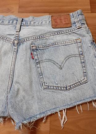 Женские джинсовые шорты levi's
