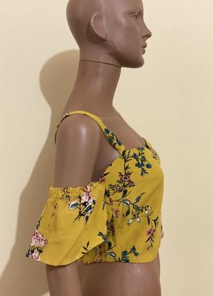 Желтый топ в цветы3 фото