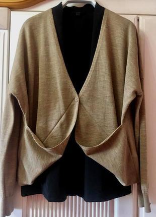 """Cаsual-комплект """"cos"""" оверсайз: черная блуза-вискоза и бежевый кардиган"""