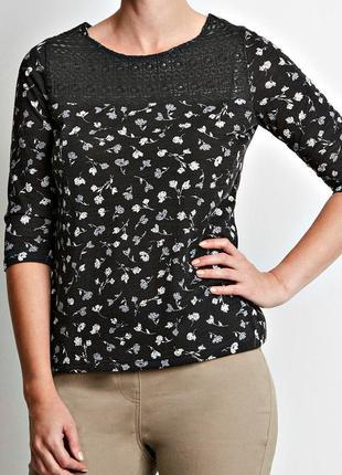 Мягкая цветочная блуза с кружевной отделкой р.20