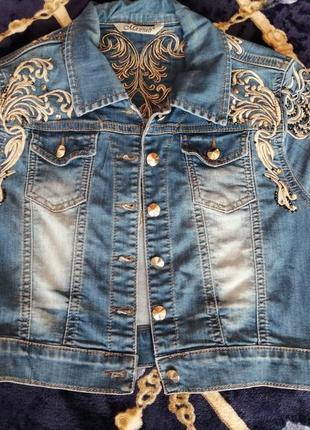 Продам, джинсовый пиджак