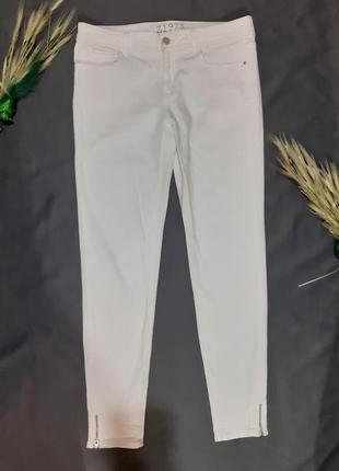 Джинсы скины брюки штаны лето летние тонкие узкие зауженные с замками молниями легкие