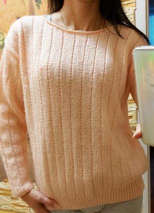 Вязанный свитер розовый