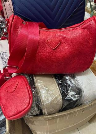 Маленька червона сумочка(замінник)/италия
