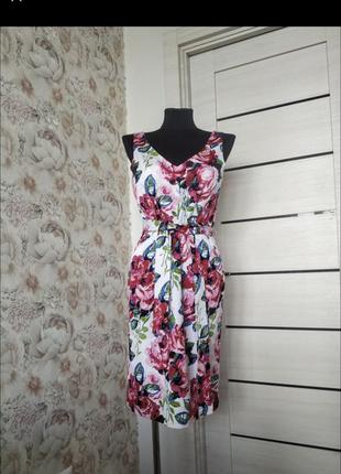 Плаття у квітковий принт