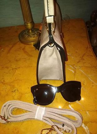 Пудрова зручна сумочка/италия2 фото