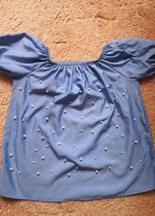 Красивая блузка с бусинами