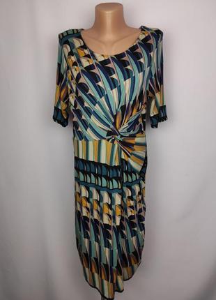 Платье красивое трикотажное в геометрический принт uk 12/40/m