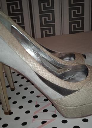 Туфли замшевые оригинал размер 39
