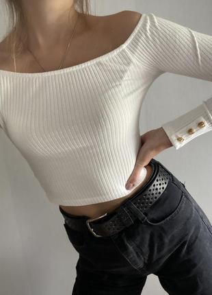 Белый топ кофта с открытыми плечами