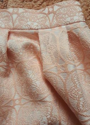 Красивая персиковая юбка