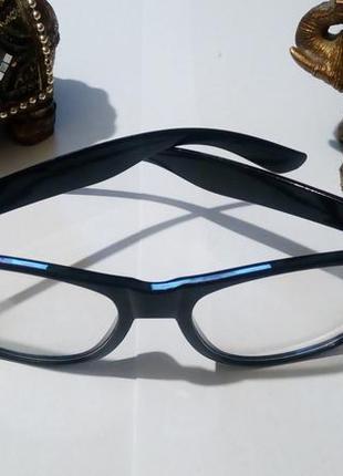 Имиджевые очки - лисички.