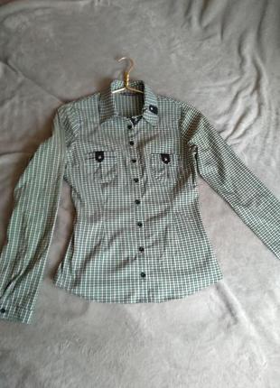 Классная  рубашка в зеленую клетку!)