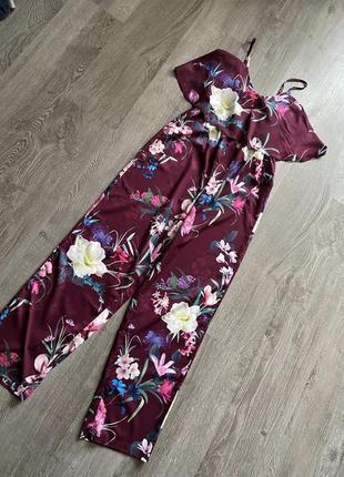 Стильный комбинезон в цветочный принт от дорогого бренда lipsy3 фото