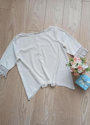 Белая блуза с удлиненными боками, р.l