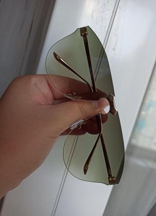 Солнцезащитные очки зелёные