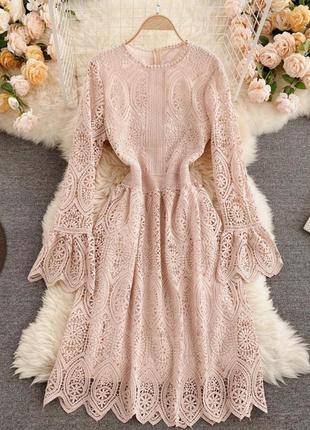 Новое кружевное платье на особый случай 🤩