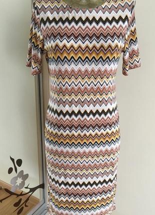 Облегающее платье с зигзагом dorothy perkins